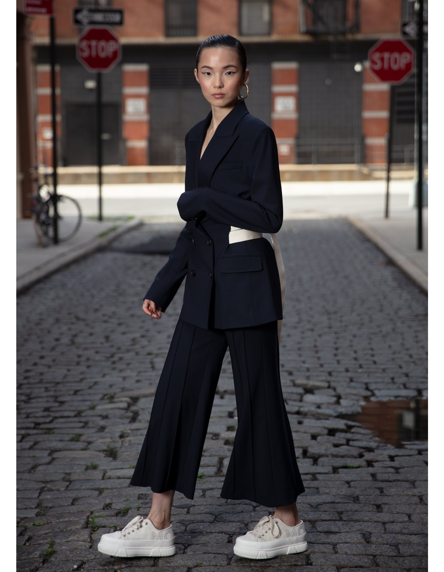 MONSE Cropped Flare Pintuck Pant in Midnight on Model Full Front View