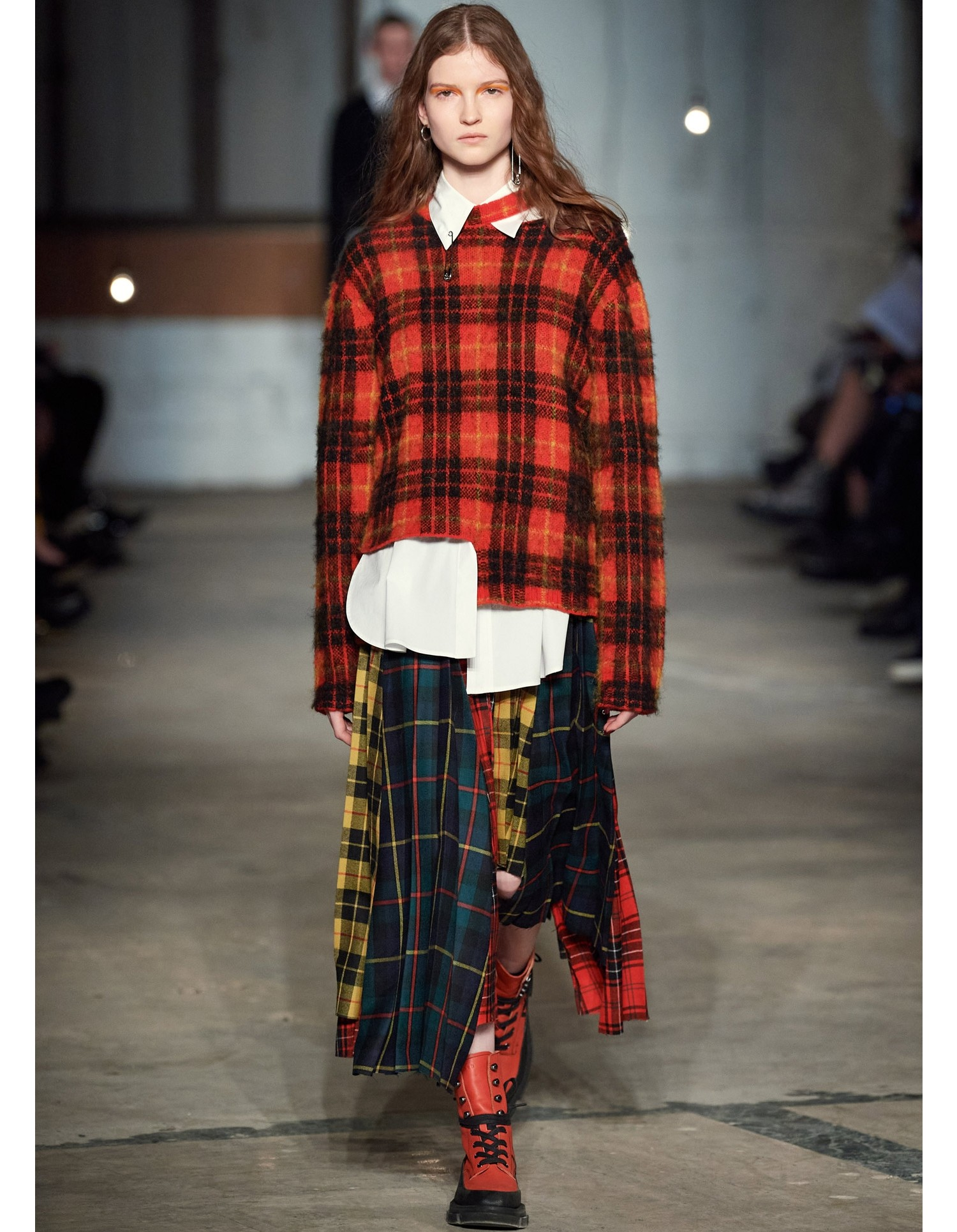 TARTAN CROOKED TAIL PULLOVER