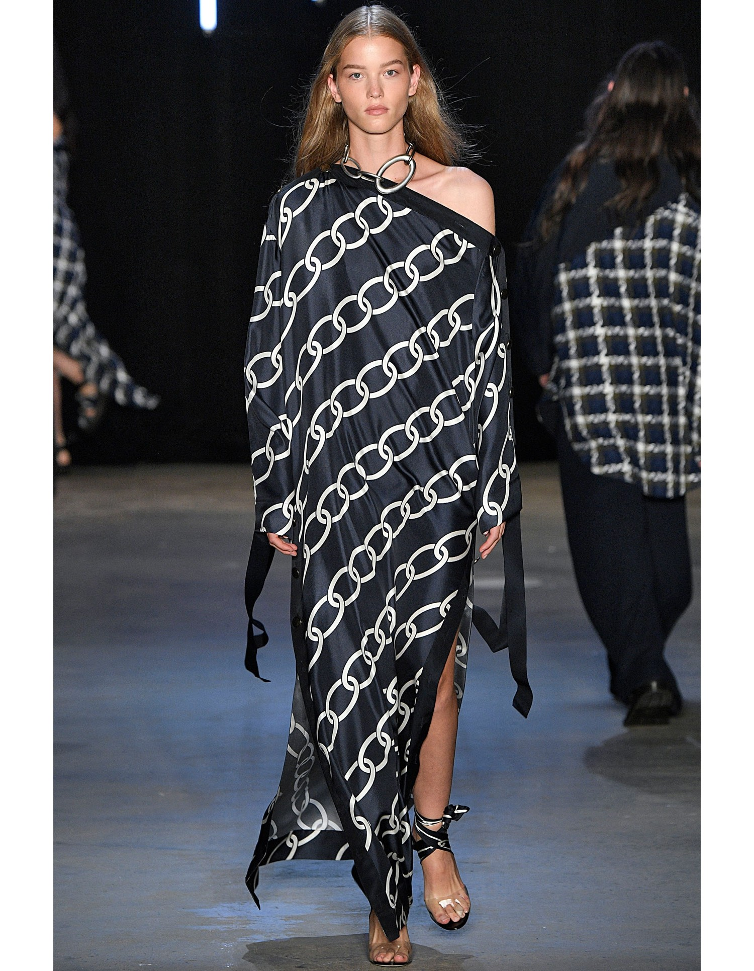 Monse Womens Chain Print Caftan on Runway Model